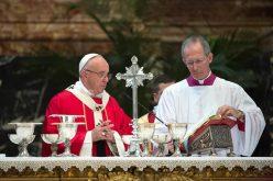 Папата служеше Литургија за покојните епископи и кардинали