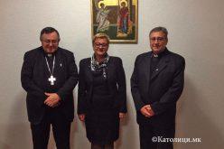 Кардинал Пулиќ се сретна со амбасадорката на БиХ во Македонија