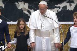 Папата молеше за мир во Јужен Судан и ДР Конго