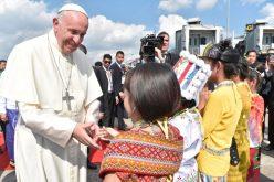 Папата пристигна во Мјанмар