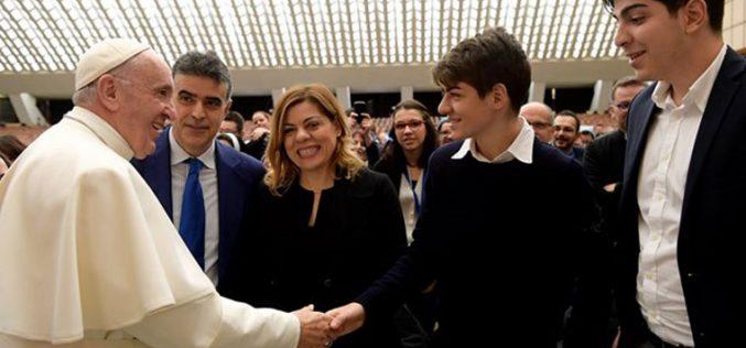 Објавена пораката на Папата за Светски ден на молитва за духовни звања