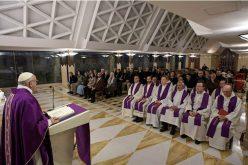 Папата: Понизност без понижување не е понизност