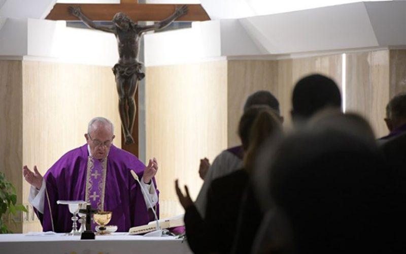 Папата: Да дозволиме Господ да нè утеши