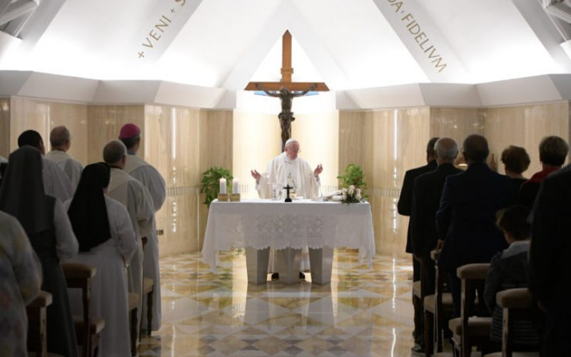 Папата: Божјата нежност се покажува во раните