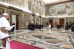 Папата ги поттикна новите амбасадори да го негуваат дијалогот