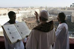 Папата упати порака (URBI ET ORBI) до градот и светот