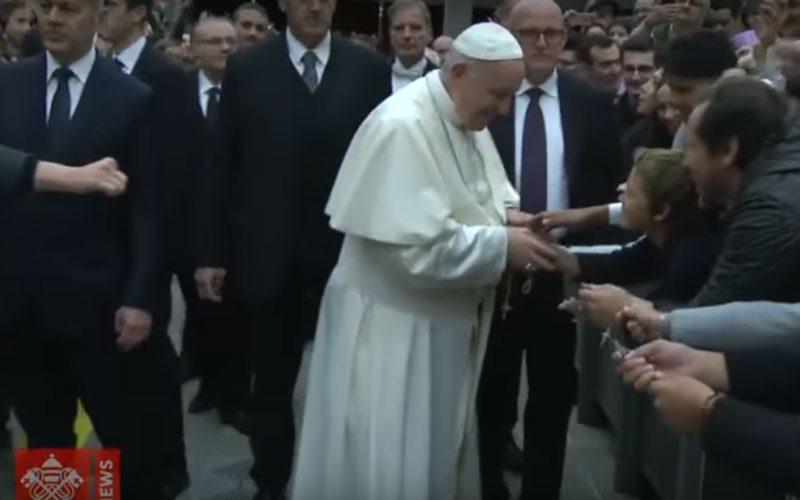 Папата: Нема Божиќ без Исус