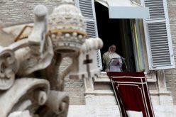 Папата: Богородица е нашата посредничка