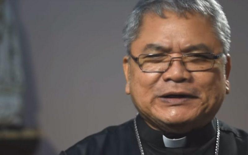 По осум месеци епископот се врати во својата уништена катедрала