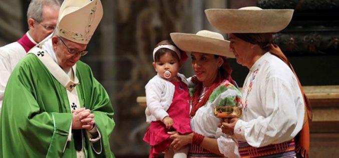 Папата служеше Литургија со мигрантите