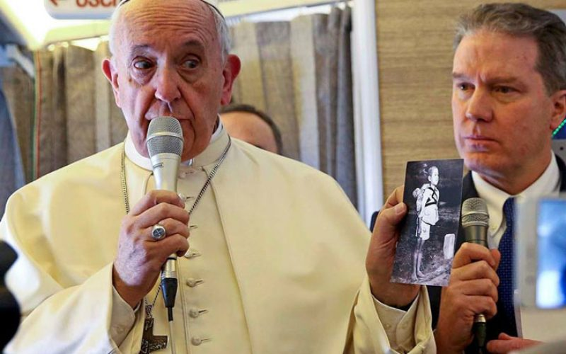 Папата замина за Чиле