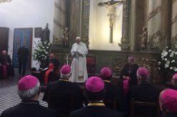 Папата се сретна со чилеанските епископи