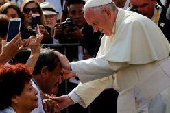 Перу: Папата го осуди насилство врз жените