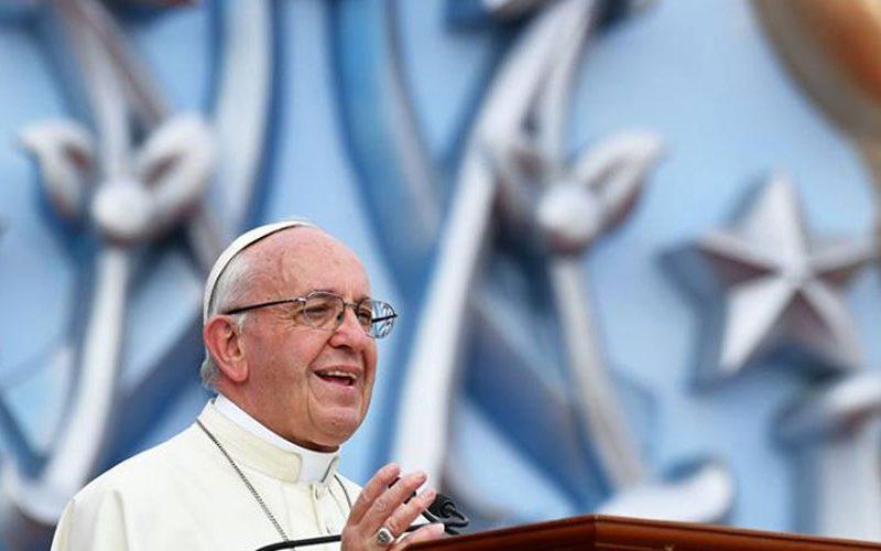 Папата до перуанските власти: Бранете ја надежта