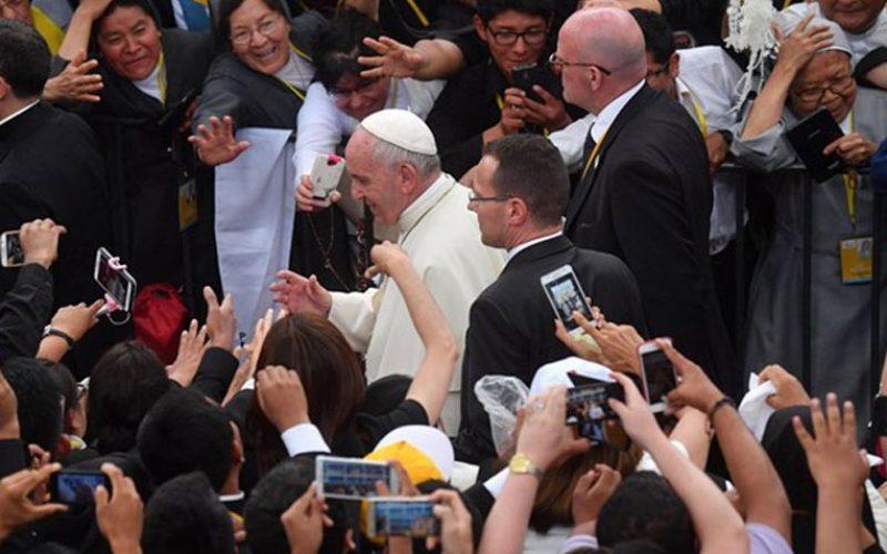 Папата: Нашите звања имаат корени во земјата и срце на небото