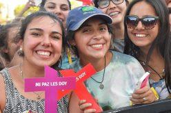Папата до младите: Останете поврзани со Исус