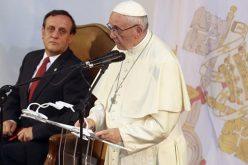 Папата ги поттикна чилеанските интелектуалци да промовираат национален соживот