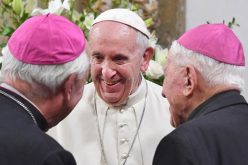 Папата се сретна со перуанските епископи