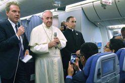 Конференција за печат на Папата на летот од Перу кон Рим