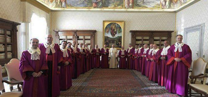 Папата ги прими членовите на Римската рота
