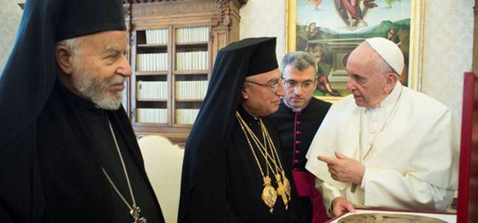 Папата ги членовите на Синодот на Мелкитско католичката Црква