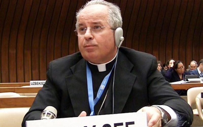 Светиот Престол: Да се вклучи слободата на вероисповед во Општиот договор за бегалците