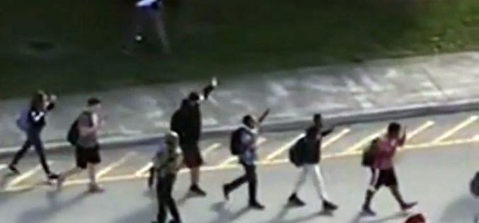 Папата: Длабоко сум нажален од веста за трагичното пукање во Флорида