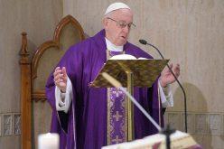 Папата: Ако вашиот пост не им помага на другите, не е доследен