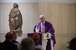 Папата: Да молиме за милоста срам и да не ги судиме другите