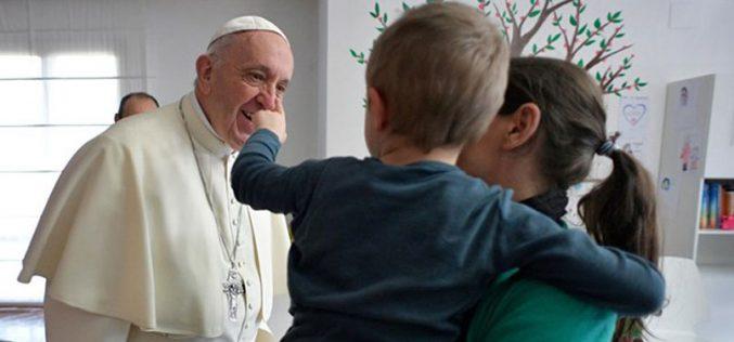 """Петок на милосрдието: Папата во посета на """"Casa di Leda"""""""