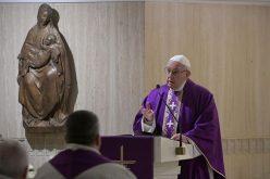 Папата: Религијата и верата не се некоја претстава