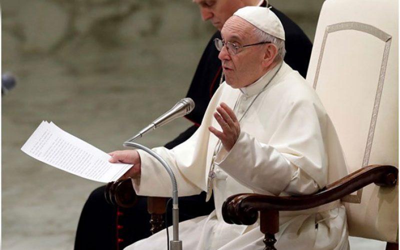 Папата: Нашиот живот да биде благодарност кон Бог