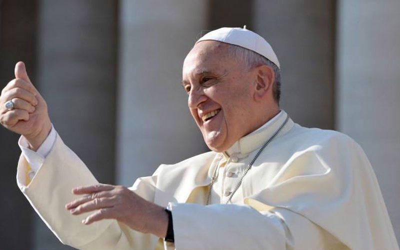 Папата слави 60 години монаштво во Дружбата Исусова