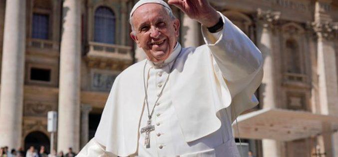 """Папата: Кога молиме """"Оче наш"""" стапуваме во контакт со Отецот"""