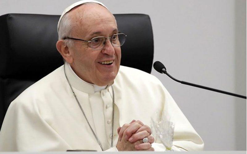 Папата до младите: Бидете подготвени да ризикувате
