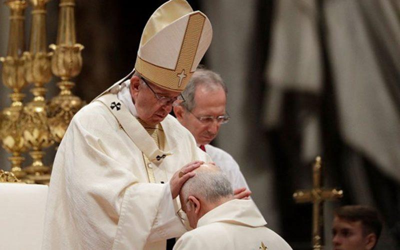 Папата: Молитвата е првата задача на епископот