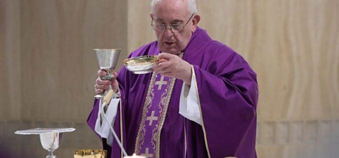 Папата: Бог нè љуби како татко и мајка