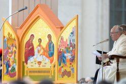 Папата го осуди нападот во Еквадор: неоправдано насилство