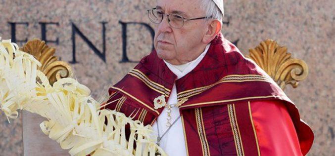 Папата на Цветници: Вие ако замолкнете, камењата ќе повикаат