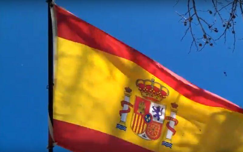 Шпанија: На пола копје знамињата на Шпанската војска