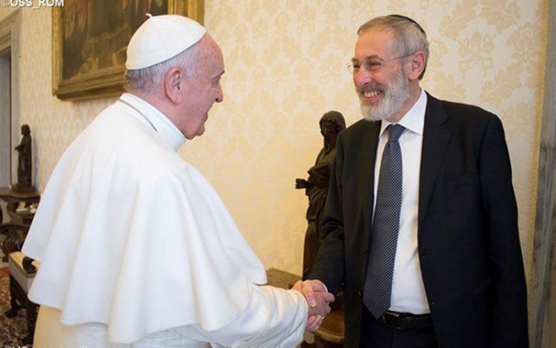 Папата Фрањо и римскиот рабин разменија празнични честитки