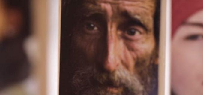 Папата повика да се молиме за оние кои се одговорни за економијата
