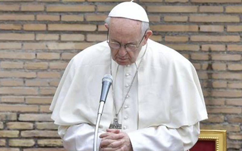 Папата се моли за жртвите од авионската несреќа во Алжир