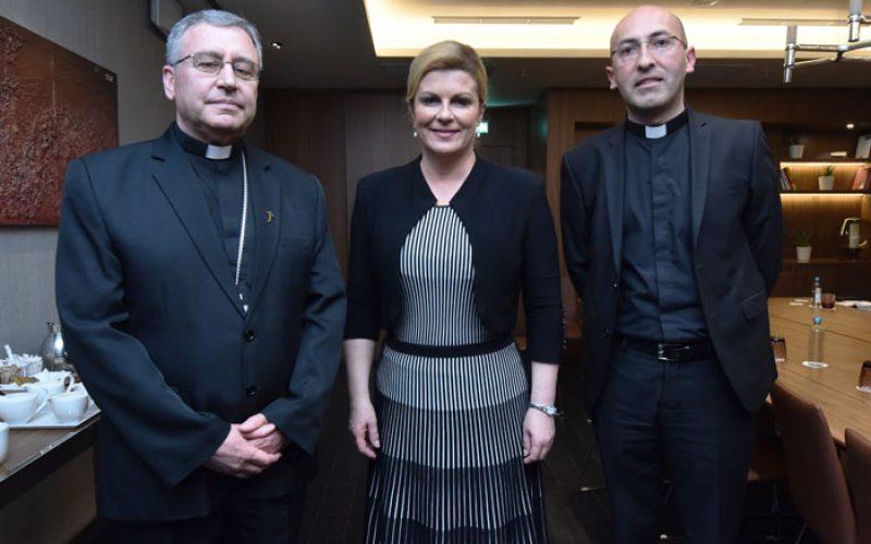 Скопскиот бискуп Стојанов се сретна со претседателката на Хрватска Грабар Китаровиќ