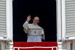 Папата: Христијанската љубов се раѓа од средбата со Исус