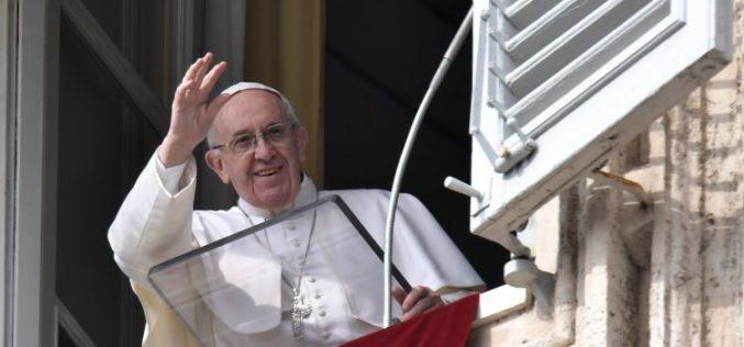 Папата се моли за Корејскиот полуостров и за христијаните во Нигерија