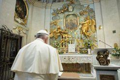 Папата во светилиштето Божествената љубов ја предводеше светата Бројаница