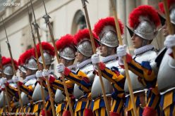 Папата до Швајцарската гарда: Не се изморувајте да се среќавате со Исус