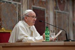 Папата ја посети Папската црковна академија
