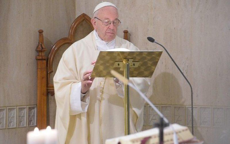 Папата: Со ѓаволот не се разговара